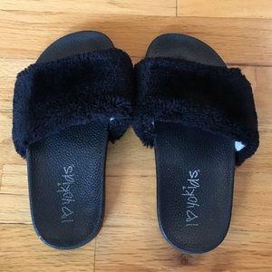 Girls, sz 2, Black Fuzzy Slides